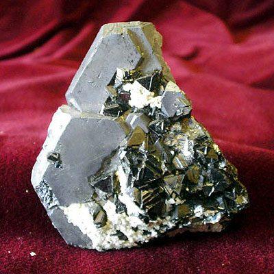 Электрические свойства камней